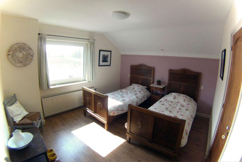 Slaapkamer Met 2 Eenpersoonsbedden.Hortensia Bed Breakfast De Torenvalk